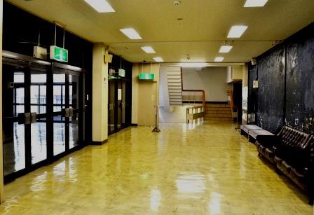 (写真14)現在の大ホール2階のロビー