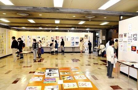 写真6:記録展の展示会場の風景