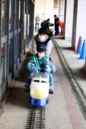 写真16:夢の新幹線運転手