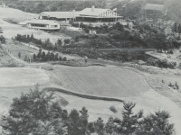 ゴルフ場とクラブハウス