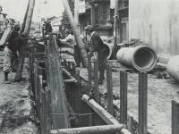 都市近代化のための下水道工事