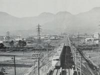 川東地区の工場群と新幹線