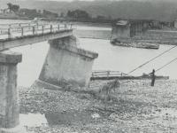 流出した報徳橋