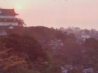 夕暮れの小田原城