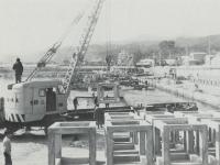 コンクリート漁礁の小田原漁港…
