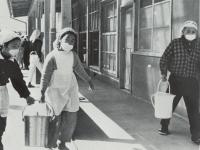 市立下曽我小学校の給食開始当時