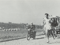 市内駅伝、府川近辺を走る選手…