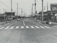 鴨宮駅前の整理された家並と道路