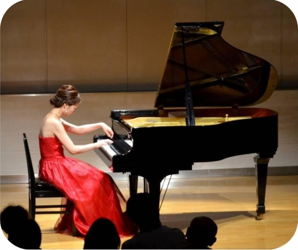 石井歡さん遺愛のピアノ