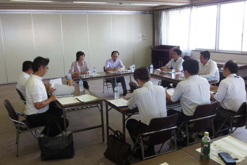 小田原市総合戦略有識者会議の様子