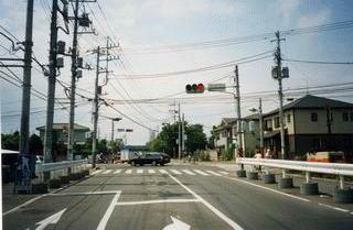 電線類地中化事業を行う前の高田交差点