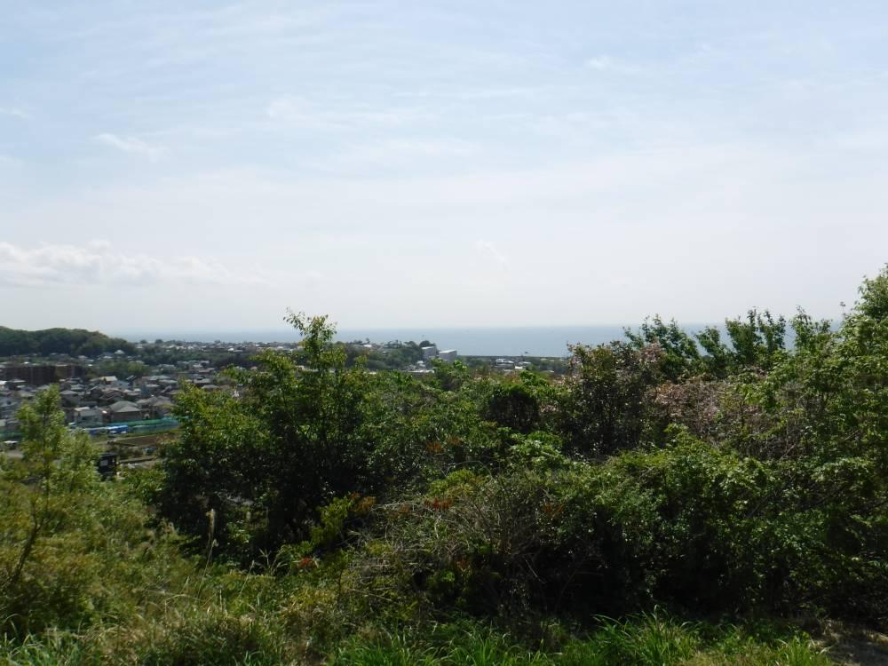 羽根尾史跡公園高台からの風景(海)