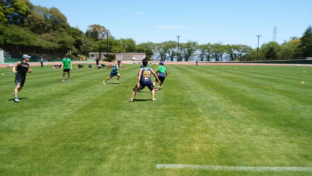選手たちが練習している風景