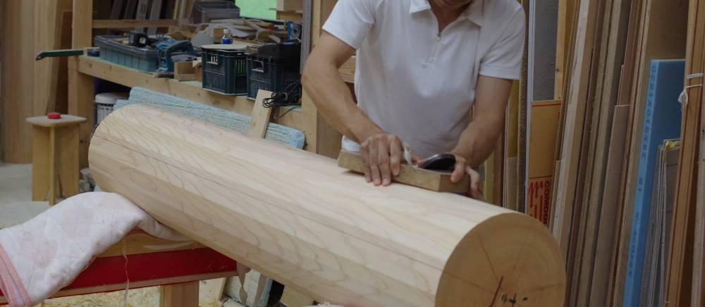 加工中の木材