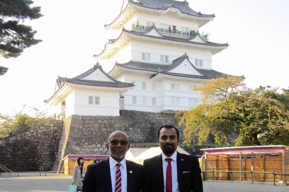 小田原城の前で記念撮影