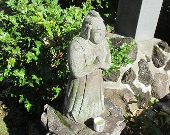 尊名不明の石仏