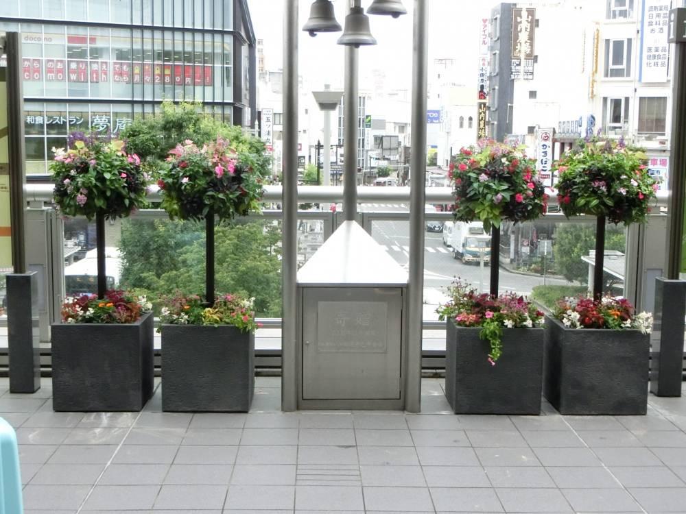 スタンディング式花飾り