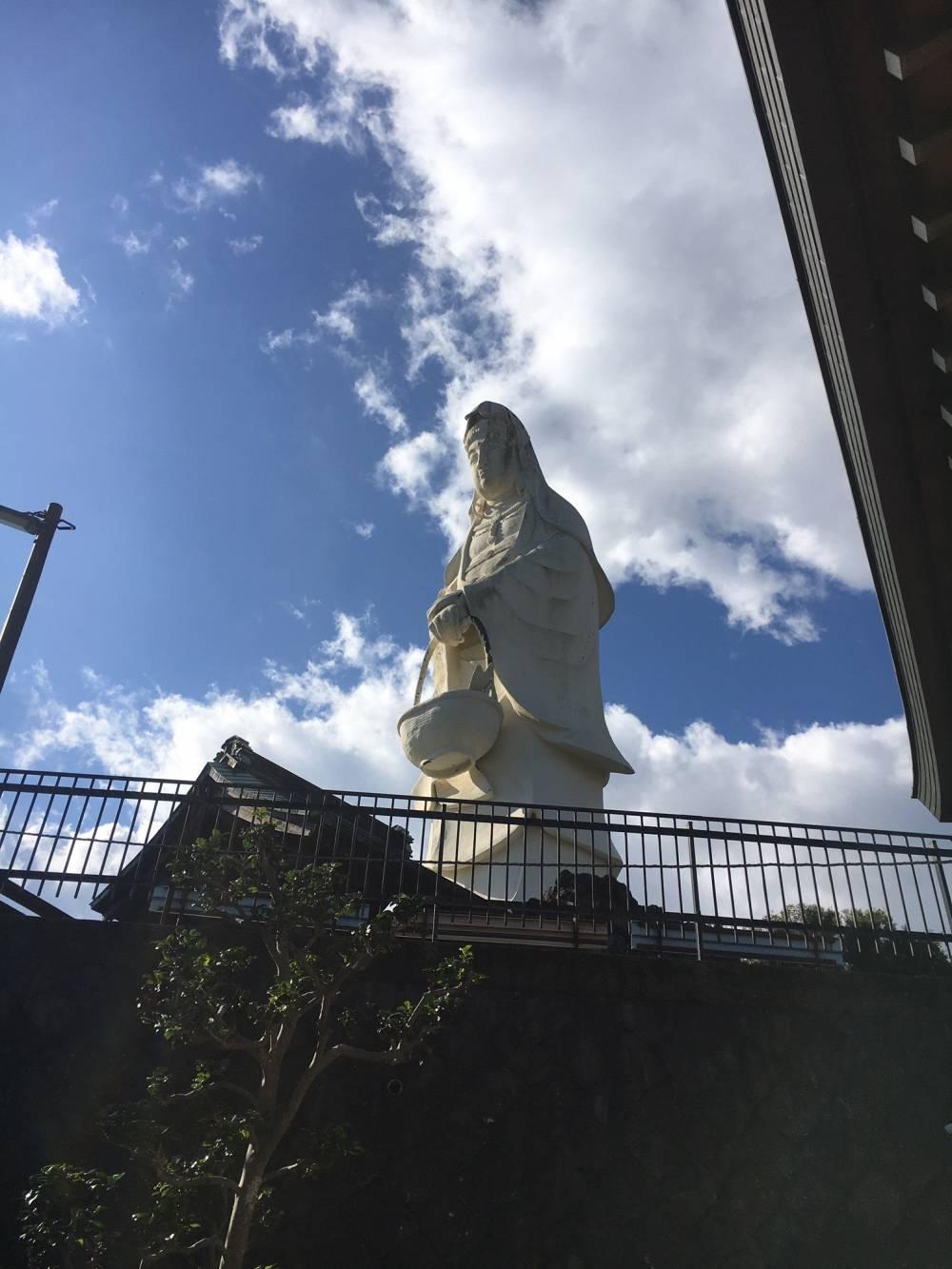 早川東善院の魚籃観音