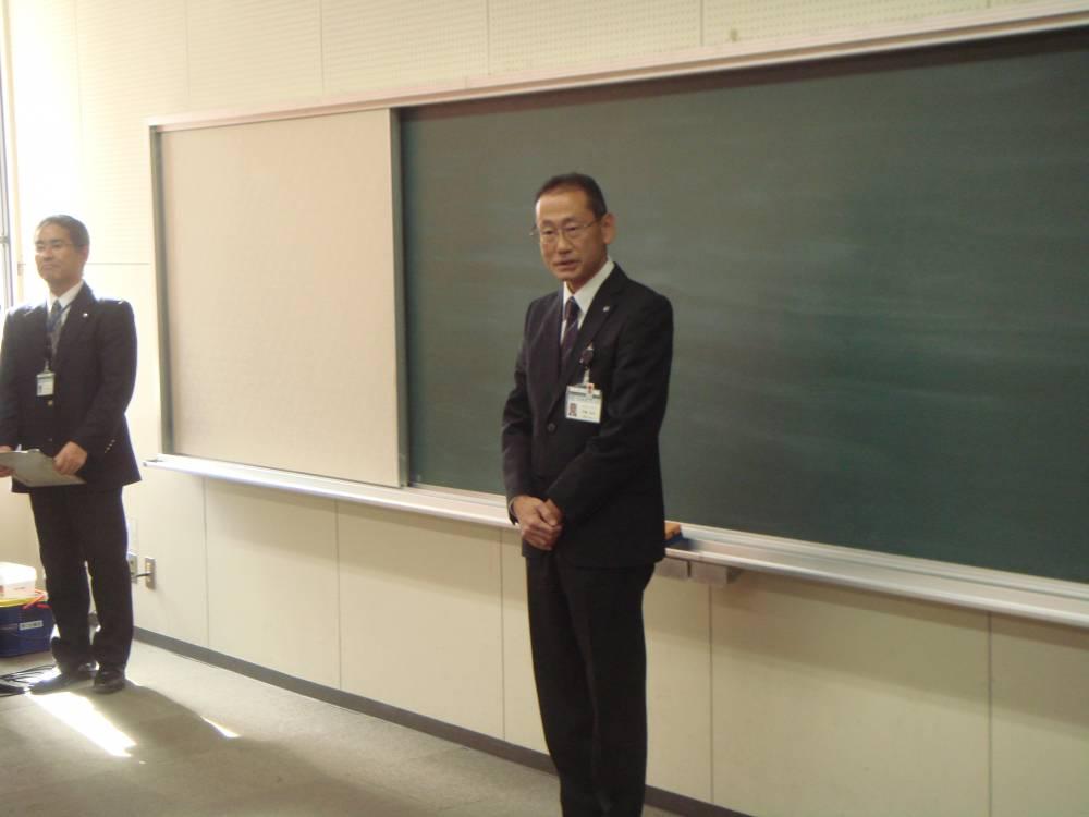 閉講の挨拶:安藤文化部長