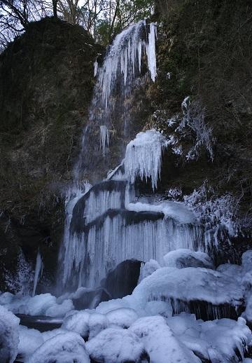 『氷瀑』〔撮影地〕夕日の滝(南足柄市)〔撮影者〕鈴木 要