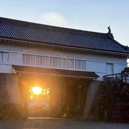 小田原城と朝日