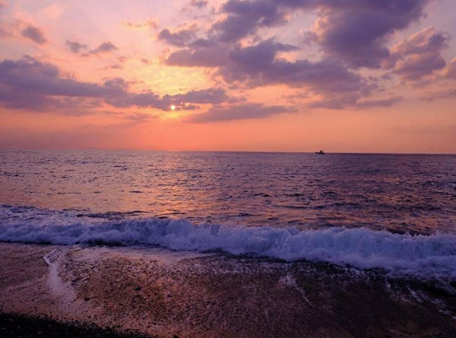 4.御幸の浜と日の出