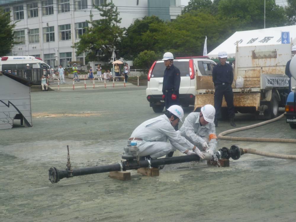 管工事協同組合による水道管の復旧作業