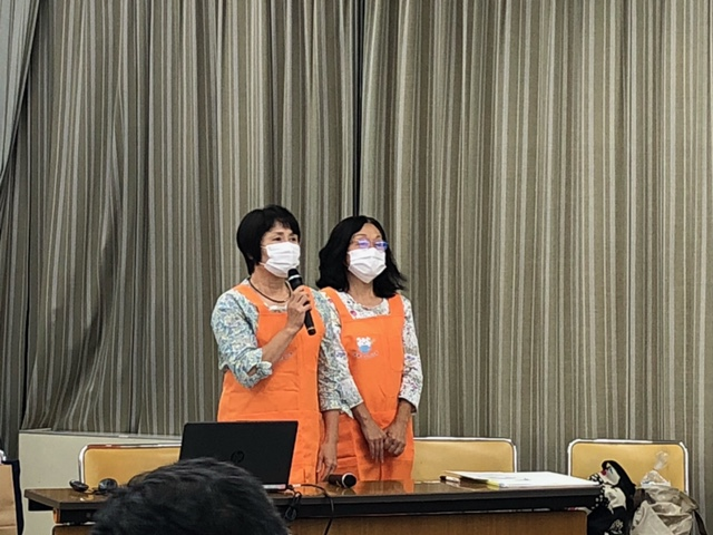 講師 チームそよ風 左:代表 本多孝子氏 右:副代表 山田政子氏